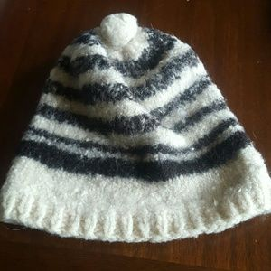 Accessories - Peruvian Alpaca hat. Small