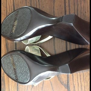 Italian Shoemakers  Shoes - Womens size 8 gold wedges