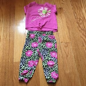 Kids Headquarters Other - SALE Girls Tee & Pants Set