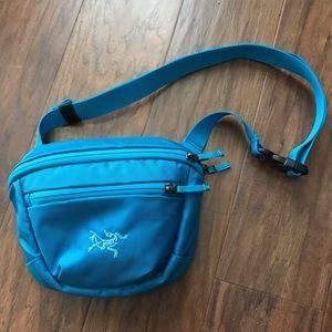 Arc'teryx Handbags - Arcteryx Maka waist bag