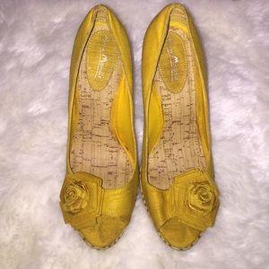 Anne Michelle Shoes - Mustard heels