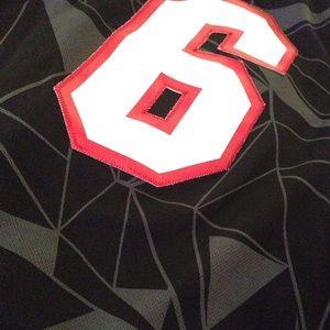 new product b3e12 46106 Miami Heat Lebron James street Swingman jersey S