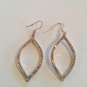 💕💕Guess Earrings NWOT