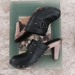 Banana Republic Shoes - Black Leather & Wooden Clogs
