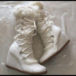 Robert Wayne Shoes - Fur boots