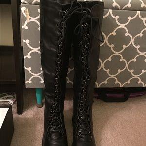 Shoes - Black lace up moto boots