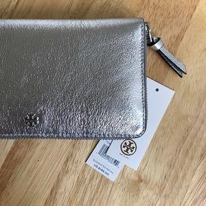 Tory Burch Handbags - Tory Burch Metallic Continental Wallet