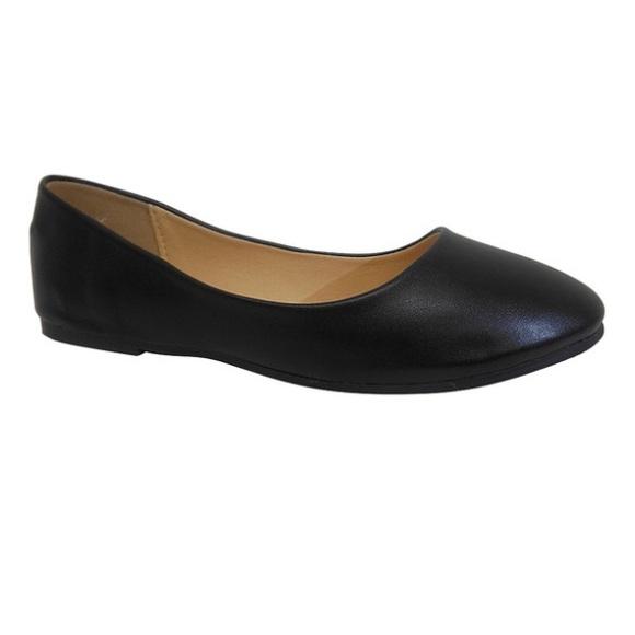 boutique Shoes - black flats