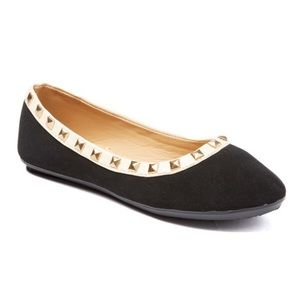 boutique Other - Studded flats