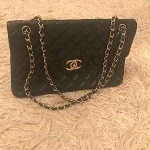 Handbags - Black Quilted Bag w Gold Hardware L