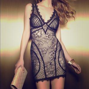 Bebe Sexy VNeck Bustier Lace Black Mini Dress XXS