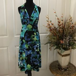 Dresses & Skirts - Dress below the knee SZ 10 stretched