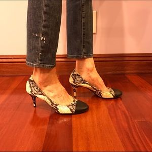 Lanvin Shoes - Lanvin leather round cap snakeskin print heels