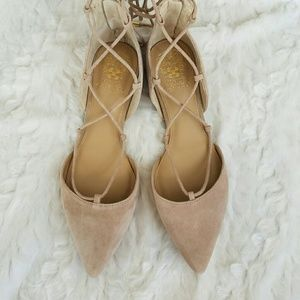 NEW Vince Camuto Jerri Pointed Lace-up Flat