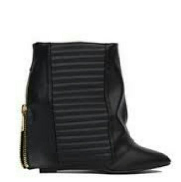 9ba45e2946eac4 New Akira Black Fold Over Boots 10
