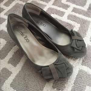 me too Shoes - Suede pumps with bow