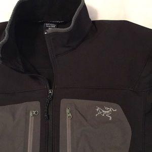 Arc'teryx Other - Arc'teryx Black Mid-Weight Jacket