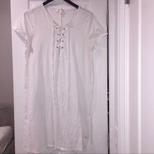NYTT Dresses & Skirts - NYTT lace up white t-shirt dress size L