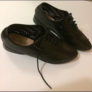 shoedazzle Shoes - Black Oxford shoes !!!!