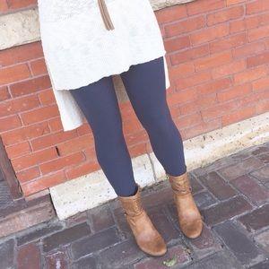 •Steel Gray Knit Leggings•