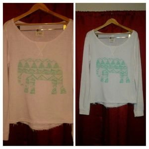 Tops - Billabong Tribal Elephant Super Thin Sweatshirt