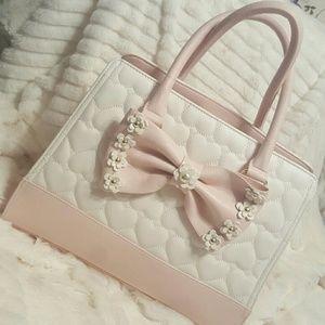 Betsey Johnson Handbags - Quilted daisy bow Betsey Johnson bag