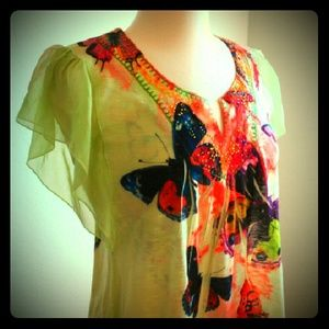 ONE WORLD Tops - Beautiful Butterfly Blouse  Sz. L