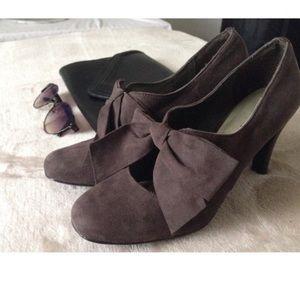 Ann Marino Shoes - Ann Marino bow heels