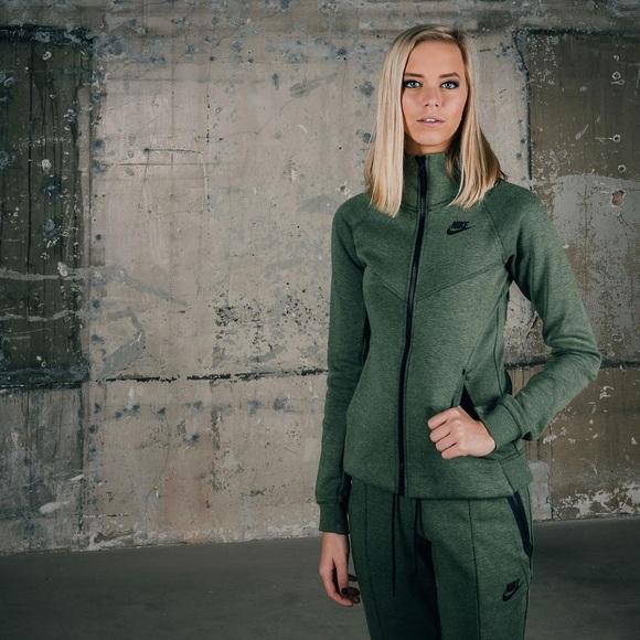 Nike Tops Nike Palm Green Tech Fleece Hoodie Poshmark