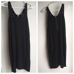 hm-moden Dresses & Skirts - Black dress with brass holes/circles