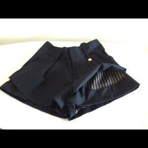Sophisticated k.a.t. Pants - Sophisticated K.A.T. Skort Size Small
