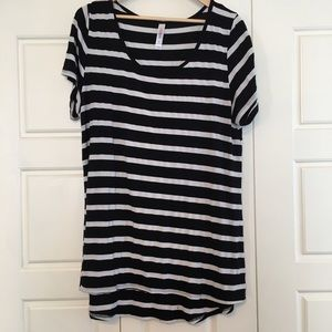 LuLaRoe Tops - Black and white striped classic tee