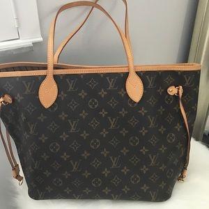 Louis Vuitton Handbags - Authentic Louis Vuitton Neverfull MM Bag