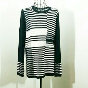 VINCE NWOT BEAUTIFUL SWEATER BLACK small