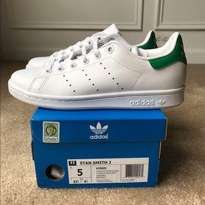 d22687b0b3b5 Adidas Shoes - Adidas Stan Smith - Kids Unisex Originals