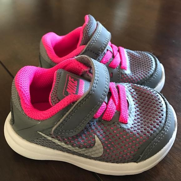 23734f4b8856 Baby Girl Nike Flex 2016 Run. M 5898bb4eea3f36125a0d0056