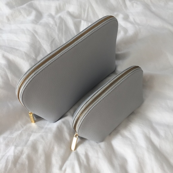 7e2160794 Cuyana Handbags - Cuyana Travel Case Set -Pearl Grey Pebbled Leather