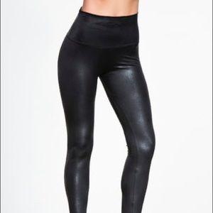 Onzie Snakeskin leggings