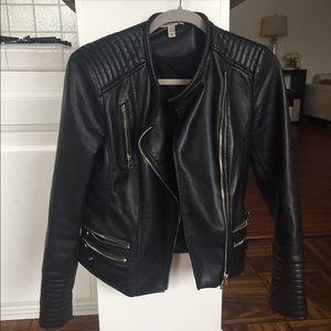 Zara Trafaluc Outerwear jacket size medium.