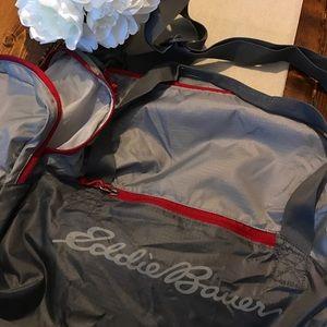 Eddie Bauer Other - SALE❗️NEW ⭐️ Large, Eddie Bauer Duffel Bag!