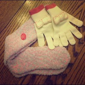 Bow Gloves 🧤 & Fuzzy Warm Casual Lounge Socks 🧦