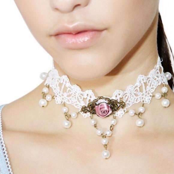 dollskill Jewelry - Lace rose bud choker