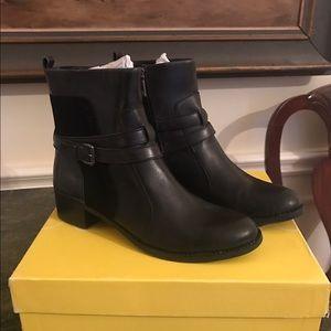 Joan & David Shoes - New Circa Joan and David Bruna Boots Sz 7