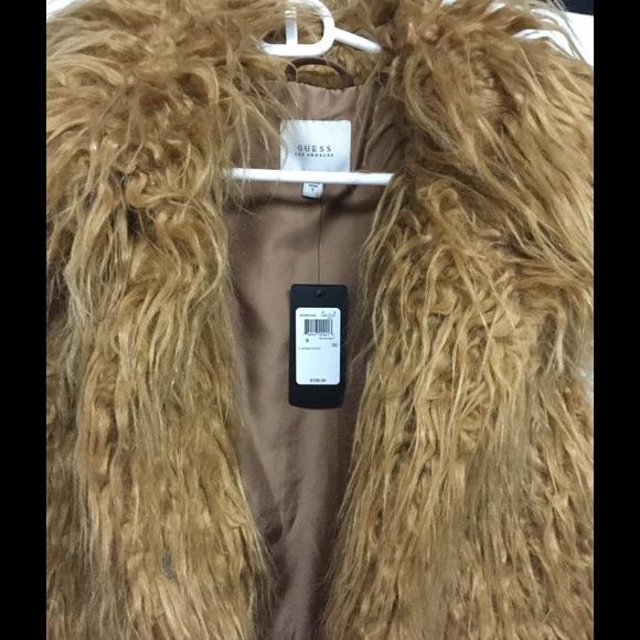 1497edba Arianna fur vest small. NWT