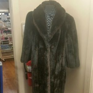 Jordache Jackets & Blazers - Faux fur size 2X.