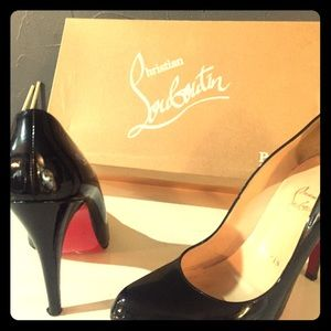 Christian Louboutin Rolondo Pumps