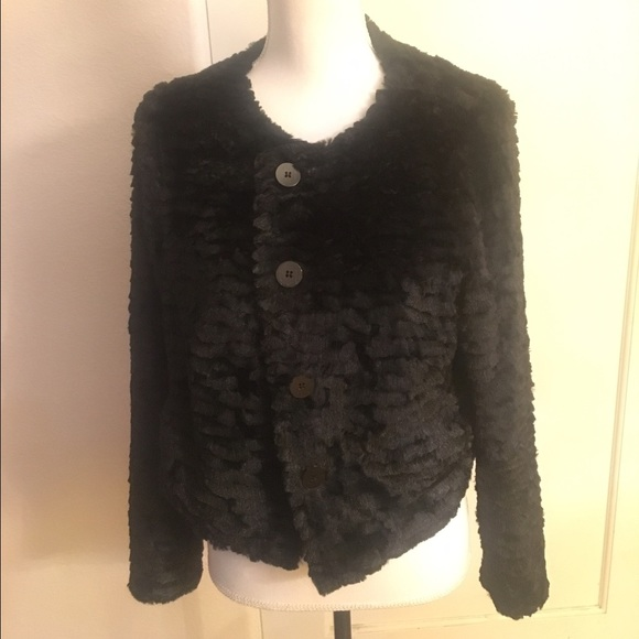 65eeb2401d0 NWT Torrid Black Faux Fur Cropped Jacket (00)