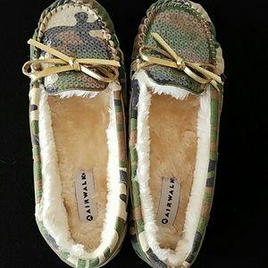 Airwalk Shoes - Airwalk Camo Print Slippers