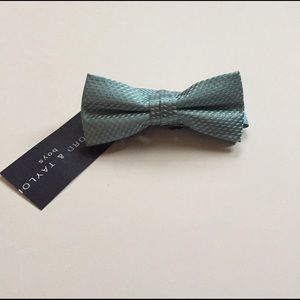 Lord & Taylor Other - New with tags Genuine LORD AND TAYLOR boys bow tie