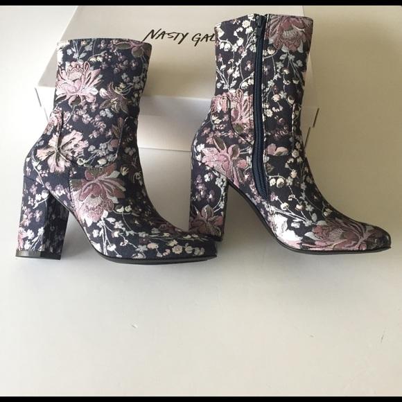 55f01f4bcb8e8 Nasty Gal Tibby Tapestry Boot. M 58b8823a8f0fc449de030cb6